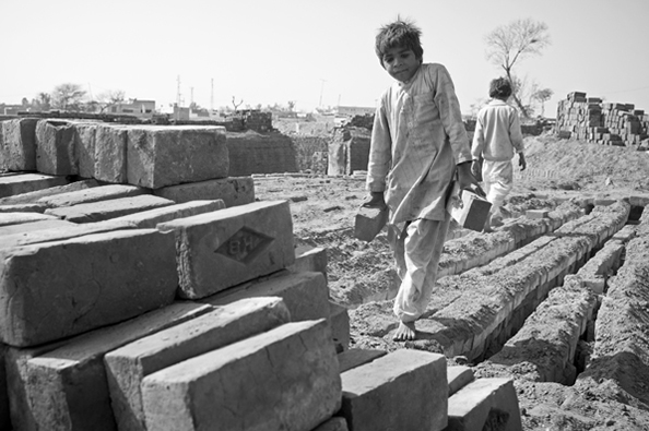 michael coyne documentary photographer and photojournalist: Child labour - Pakistan