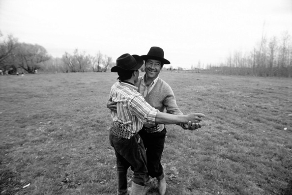 michael coyne documentary photographer and photojournalist: Gauchos dancing - Argentina